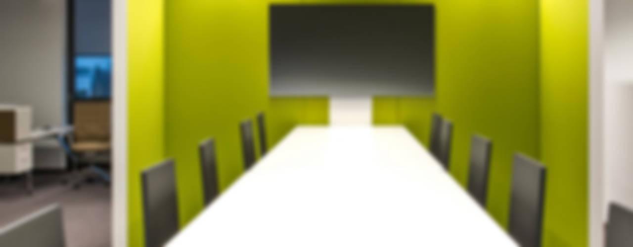 Oficinas y Tiendas de estilo  de MOHO 1