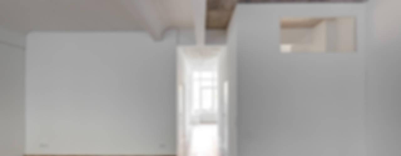 BOX 117 Industriale Wohnzimmer von marc benjamin drewes ARCHITEKTUREN Industrial