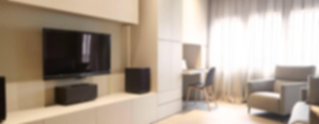 Sencillez visual de alta complejidad Salones de estilo moderno de Coblonal Arquitectura Moderno