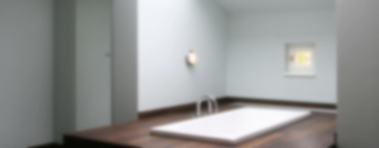 Spätklassische Wiederkehr - Redesign einer historischen Villa Klassische Badezimmer von CG VOGEL ARCHITEKTEN Klassisch