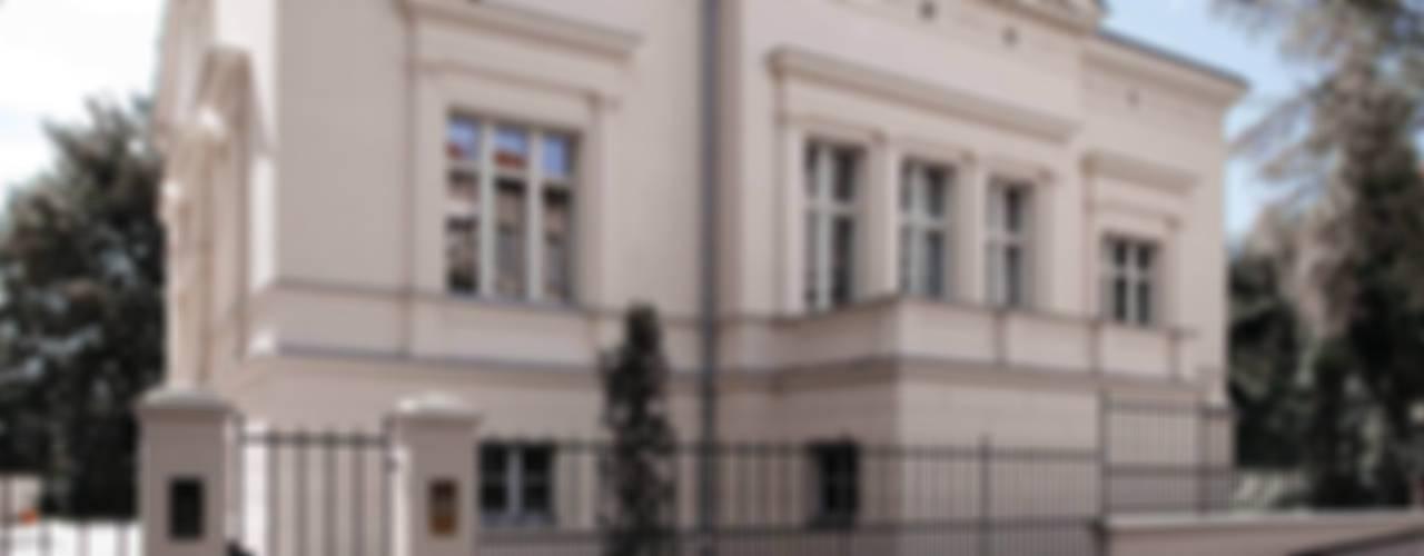 Spätklassische Wiederkehr - Redesign einer historischen Villa CG VOGEL ARCHITEKTEN Klassische Häuser