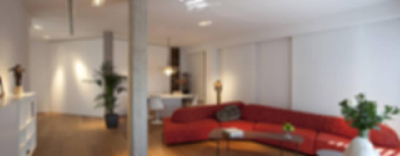 Ático en Valencia Salones de estilo moderno de Laura Yerpes Estudio de Interiorismo Moderno