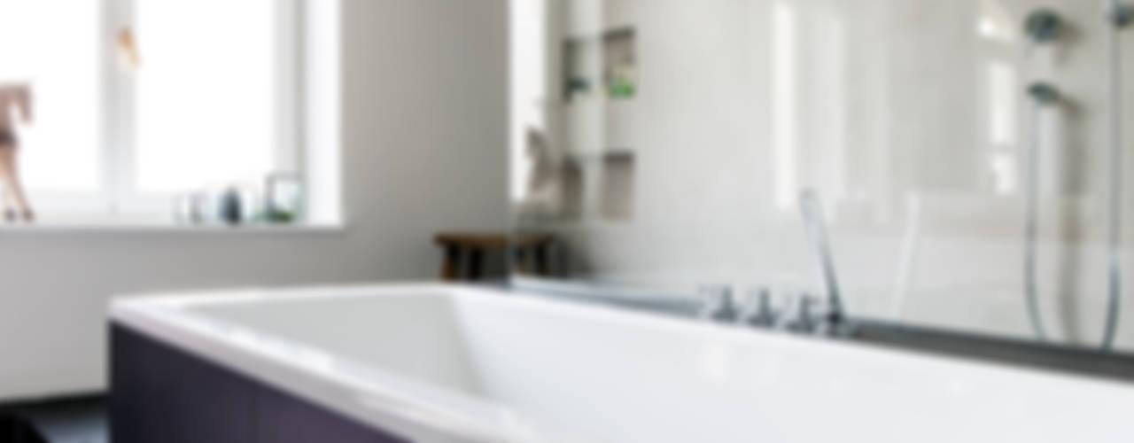 Altbausanierung München Moderne Badezimmer von BESPOKE GmbH // Interior Design & Production Modern