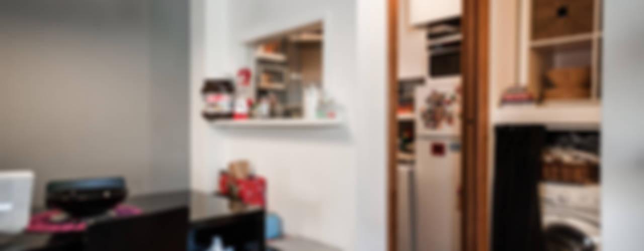 Smart house Cucina moderna di Giulia Villani - Studio Guerra Moderno