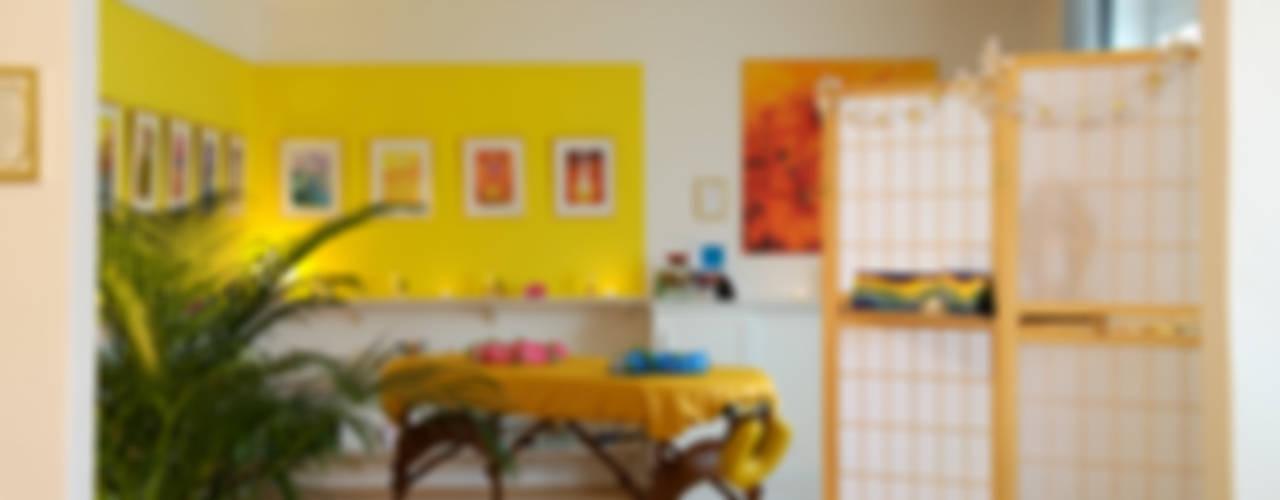Cocinas de estilo tropical de Interiordesign - Susane Schreiber-Beckmann gestaltet Räume. Tropical