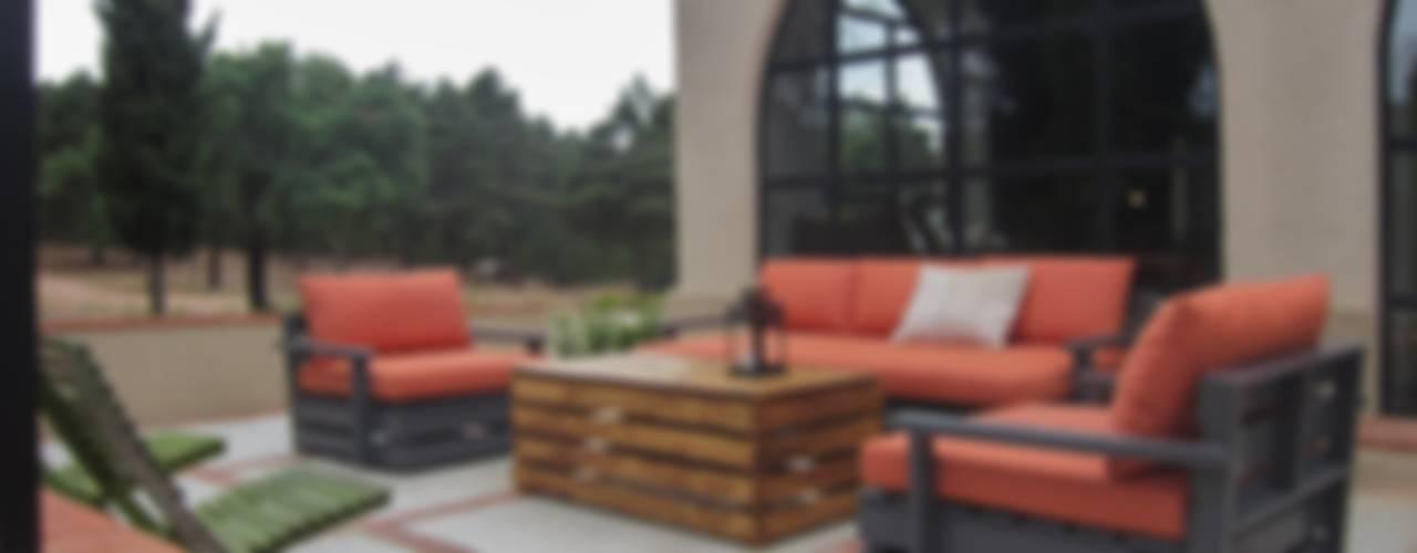 pabellon de caza en la Despeñaperros Jardines de estilo rústico de interiorismo estudio apunto Rústico
