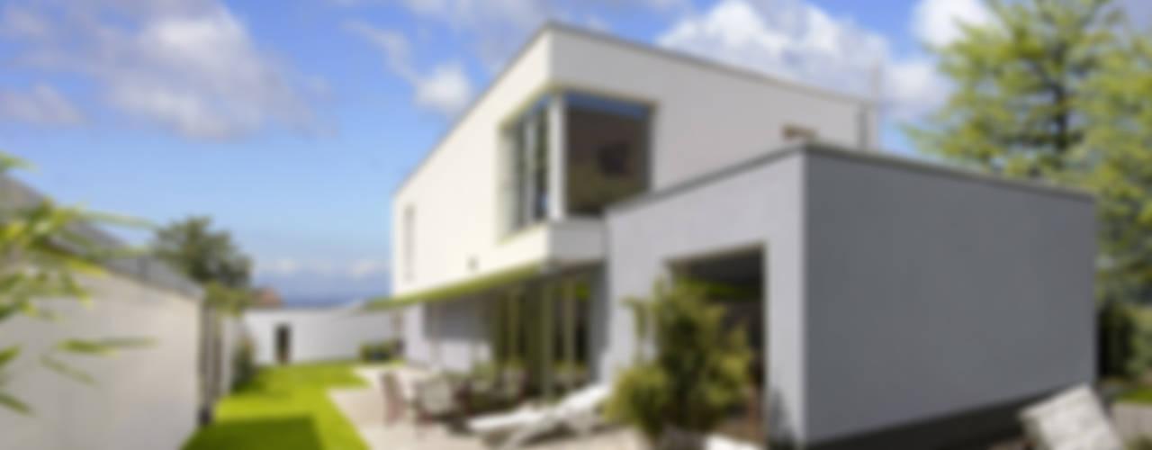b2 böhme PROJEKTBAU GmbH Modern houses
