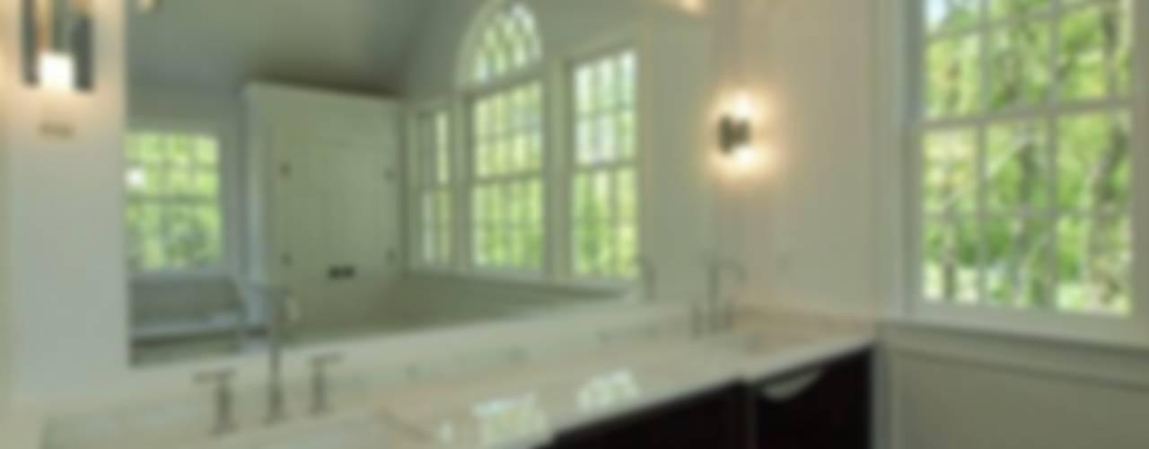 New Canaan, USA Salle de bain classique par Lichelle Silvestry Interiors Classique
