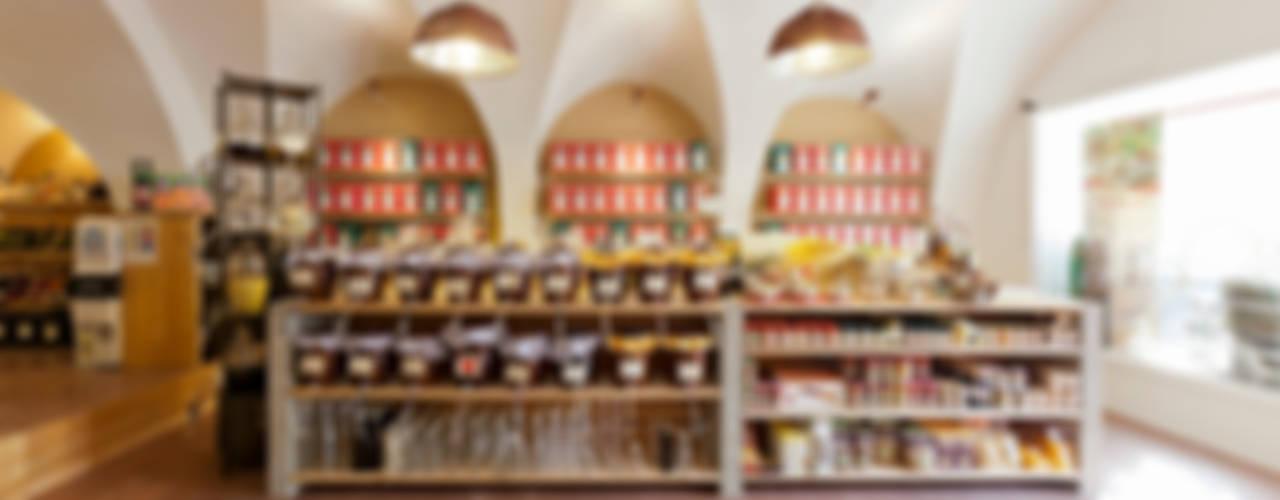 Penzkoferhaus:  Ladenflächen von Peter Haimerl . Architektur
