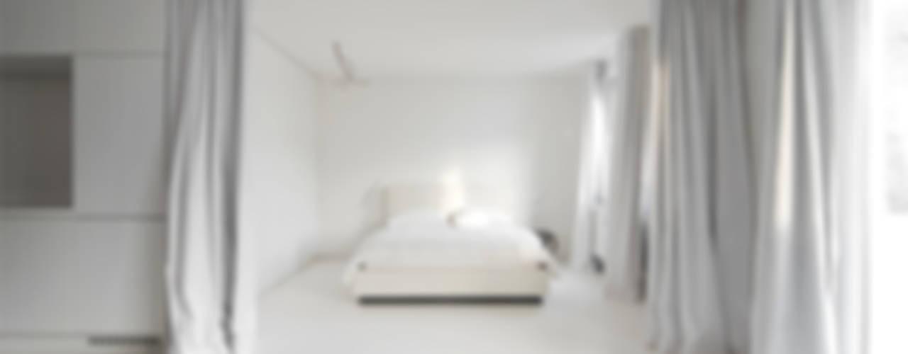 MicroLoft KD76 Moderne Schlafzimmer von Alexander John Huston Modern