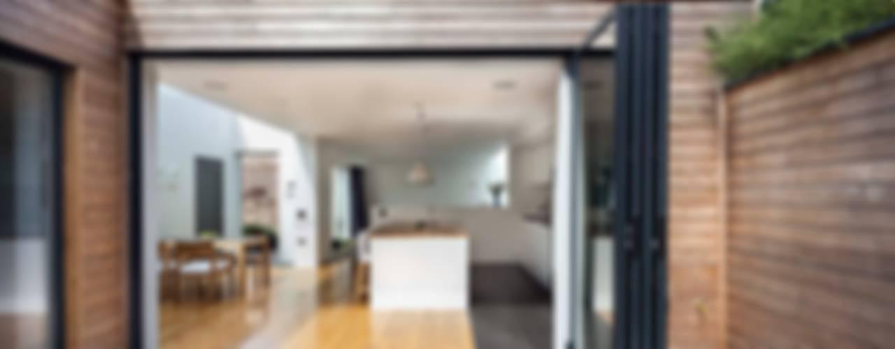 Courtyard House - East Dulwich Modern Terrace by Designcubed Modern