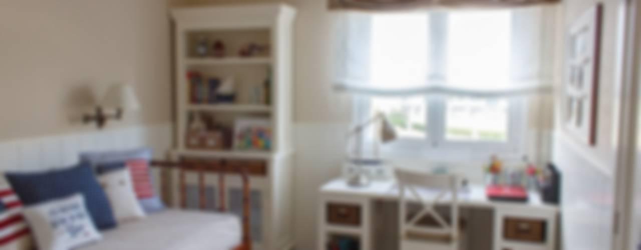 Habitación Juvenil cerca del mar. Dormitorios infantiles de estilo clásico de Dec&You Clásico