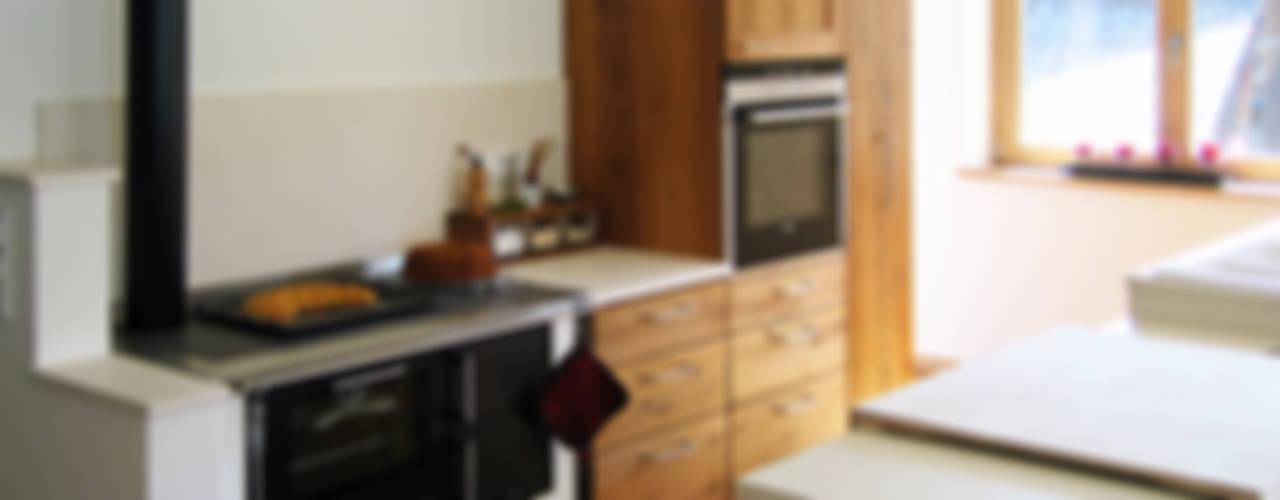 Cocinas clásicas de Lignum Möbelmanufaktur GmbH Clásico