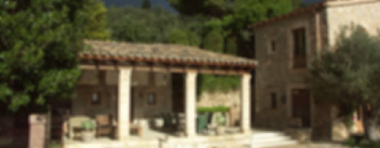 MF Casas de estilo mediterráneo de Fincas Cassiopea Group / FCG Architects Mediterráneo