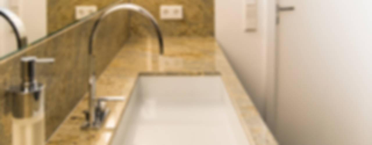 Geometrische Strukturen geben Badezimmern eine klare Linie Ausgefallene Badezimmer von Pientka - Faszination Naturstein Ausgefallen