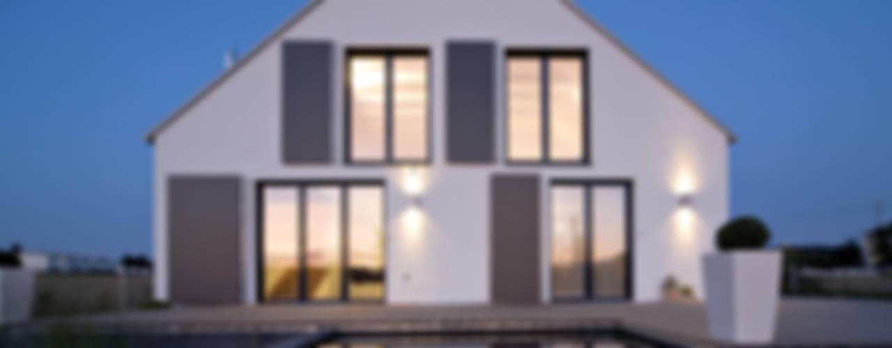 Architekturbüro Ferdinand Weber Casas estilo moderno: ideas, arquitectura e imágenes