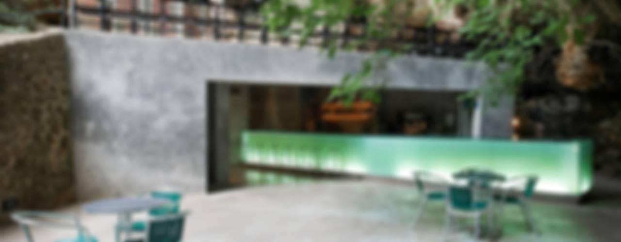 Terrazas de estilo  por A2arquitectos