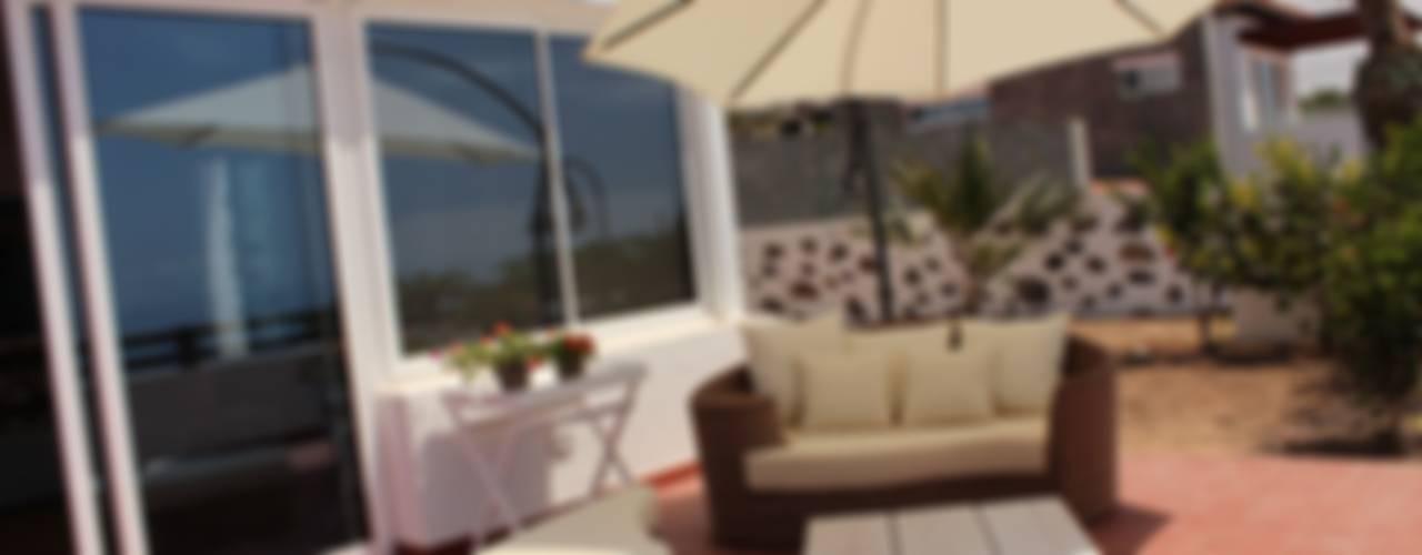 Mediterranean style balcony, veranda & terrace by Tatiana Doria, Diseño de interiores Mediterranean