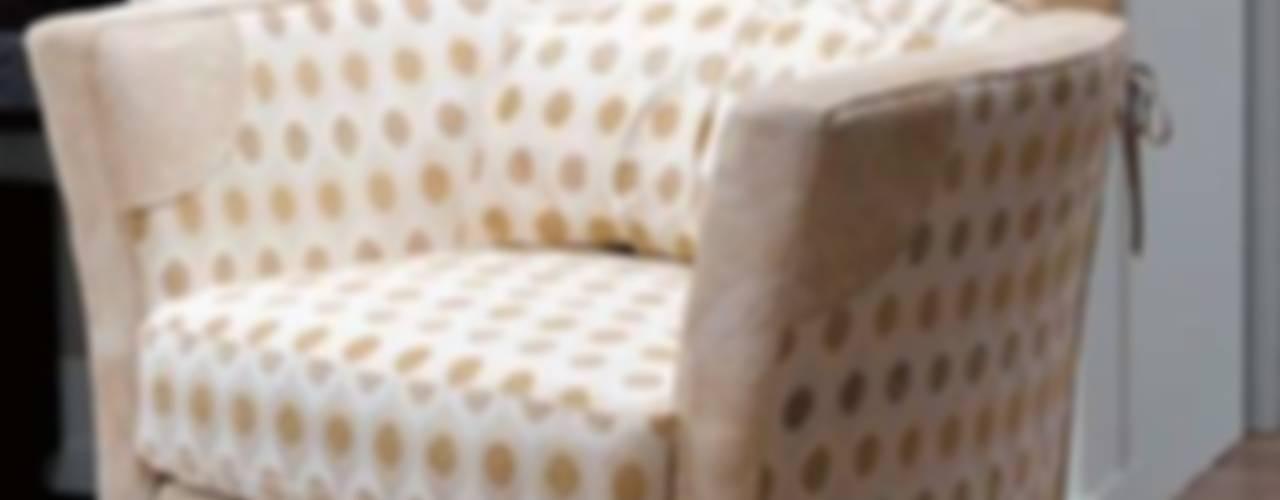 Living room by MUMARQ ARQUITECTURA E INTERIORISMO, Classic