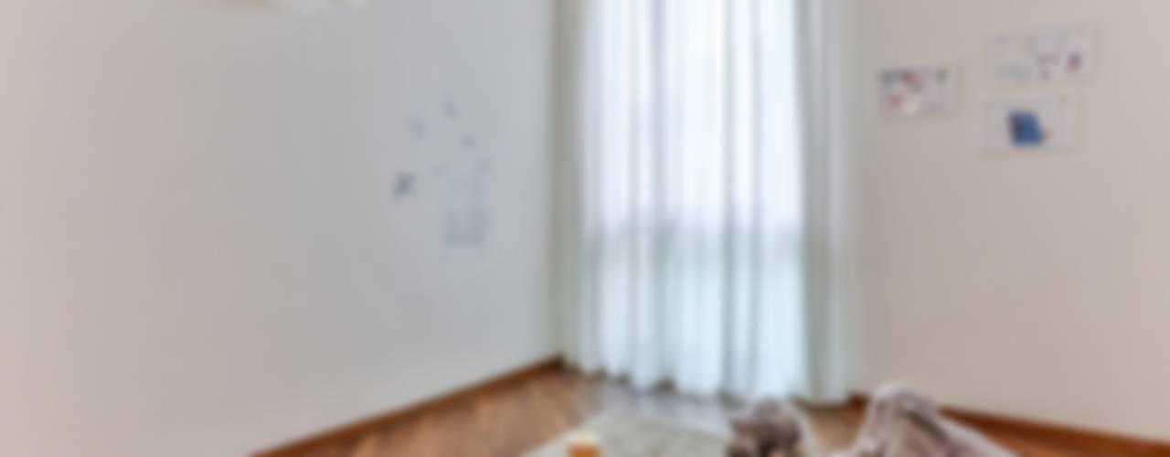 DA VUOTO A... STAGED! Stanza dei bambini in stile classico di Bologna Home Staging Classico