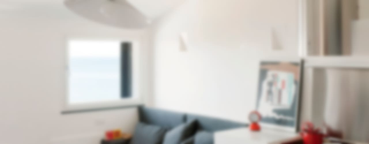 Attico sul Porto Sala da pranzo moderna di gosplan architects Moderno