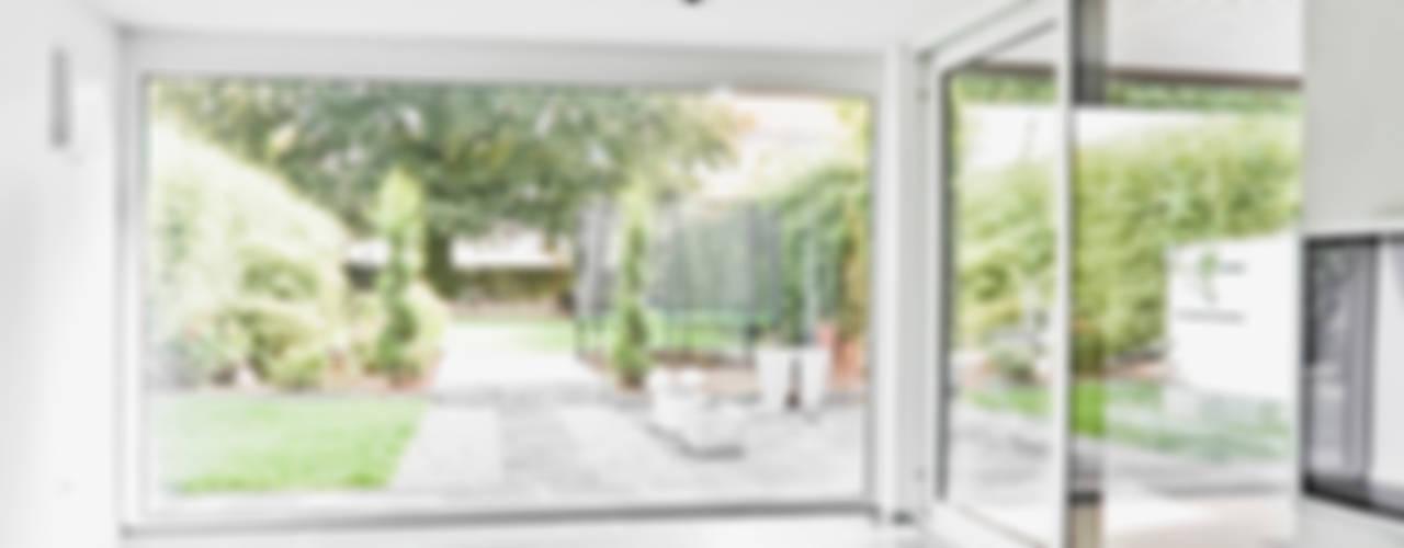 TANZ AUS DER REIHE Moderne Wohnzimmer von ONE!CONTACT - Planungsbüro GmbH Modern