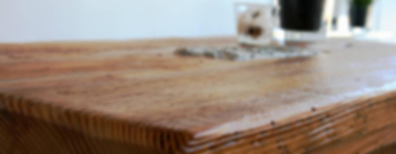 Couchtisch Granit - Designmöbel aus antikem Holz: modern  von woodesign Christoph Weißer,Modern