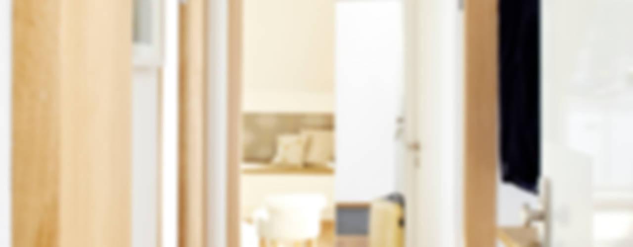 Vacation Rental W1 - Business Studio Moderne Wohnzimmer von Ute Günther wachgeküsst Modern