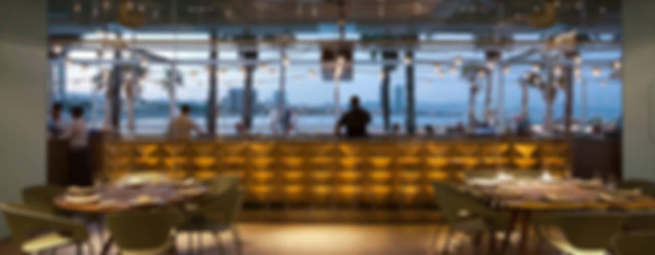 Salt, Event's Restaurant Oficinas y tiendas de estilo moderno de ISABEL LOPEZ VILALTA + ASOCIADOS Moderno