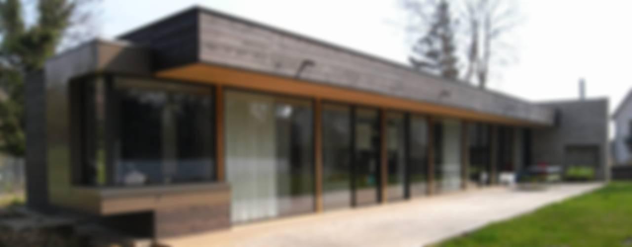 Case moderne di Allegre + Bonandrini architectes DPLG Moderno