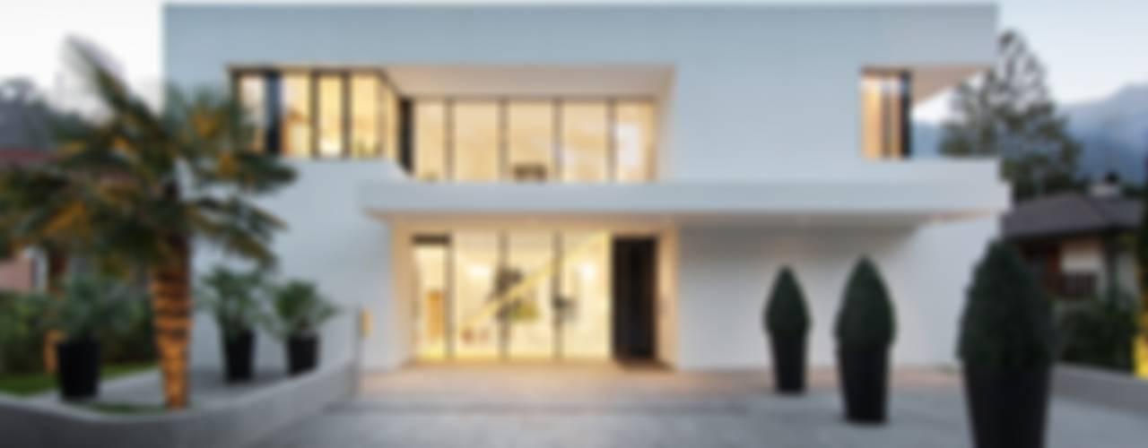 Casa M Case moderne di monovolume architecture + design Moderno