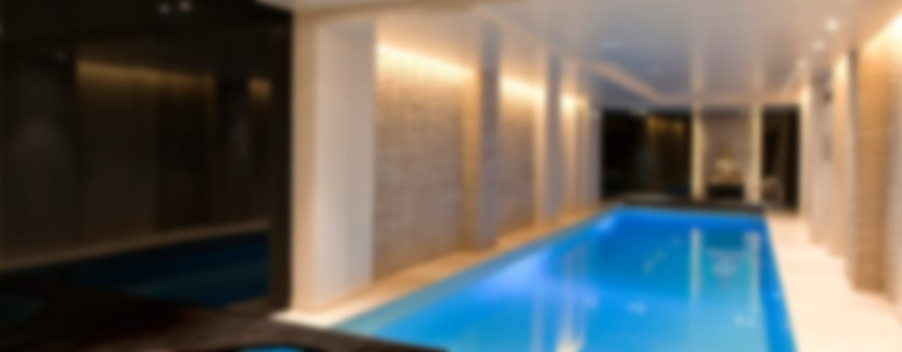 Pool and Spa Renovation by London Swimming Pool Company Сучасний