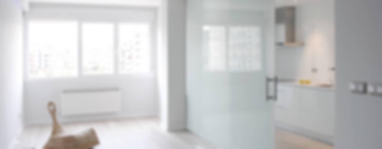 Piso de 67m2 Salones de estilo moderno de Interior03 Moderno