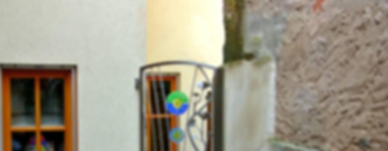 Stainless Steel Ginkgo Garden Gate Сад в стиле модерн от Edelstahl Atelier Crouse: Модерн