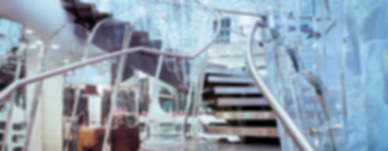 Scala elicoidale FORNARINA realizzata da NIVA-line Spazi commerciali moderni di Ni.va. Srl Moderno
