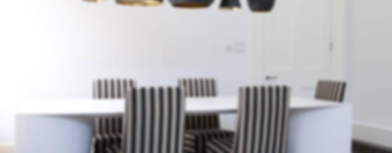 Salas de jantar  por 4D Studio Architects and Interior Designers, Clássico