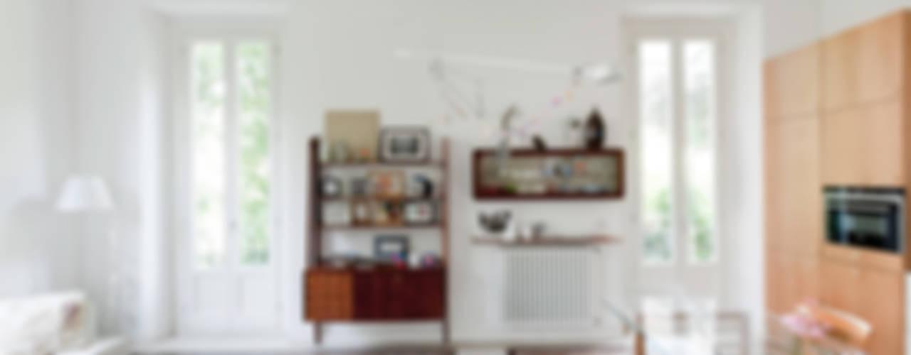 Living room design ideas by Elena e Francesco Colorni Architetti