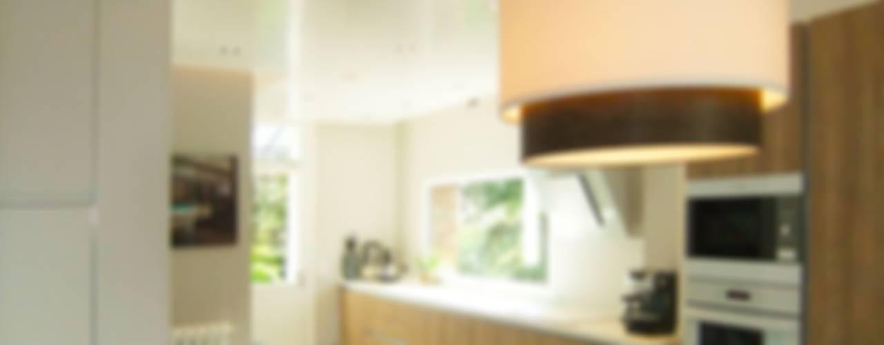 Rénovation dans une meulière Maisons modernes par HOME feeling Moderne