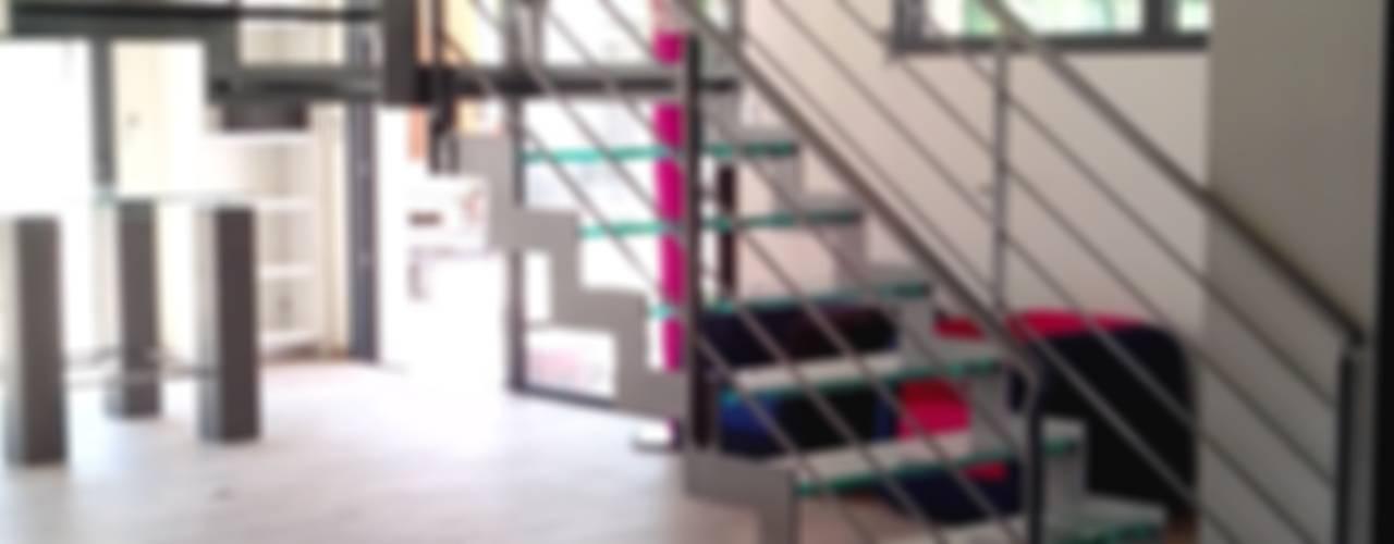 Escalier avec marches en verre Escalissime Couloir, entrée, escaliersEscaliers