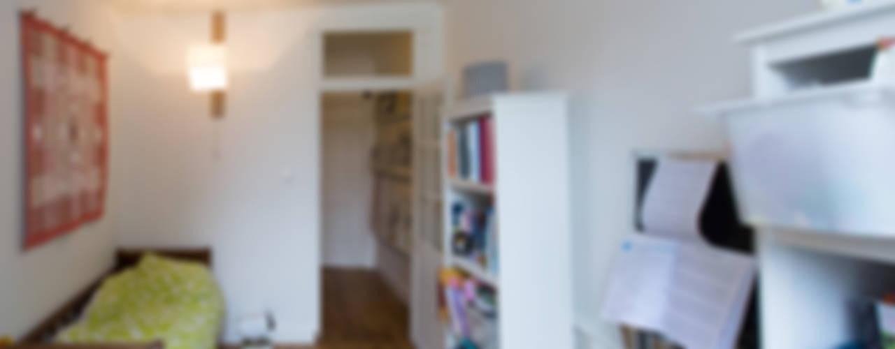 Dormitorios infantiles de Christèle BRIER Architechniques Ecléctico
