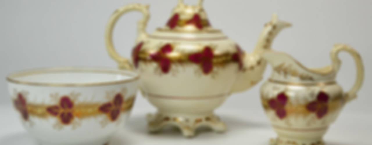Tea Time von Lavish Shoestring