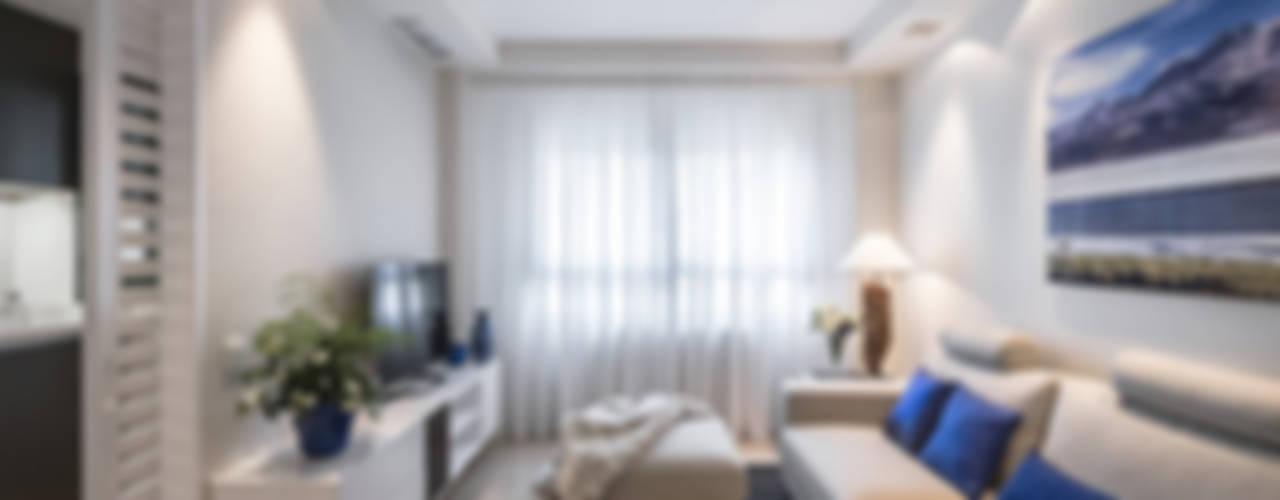 Interiores cálidos Casas de estilo moderno de Laura Yerpes Estudio de Interiorismo Moderno