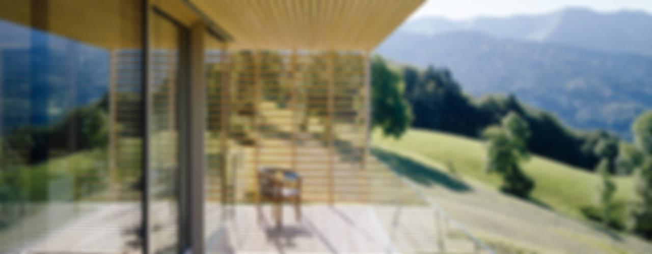 Modern Balkon, Veranda & Teras Dietrich | Untertrifaller Architekten ZT GmbH Modern