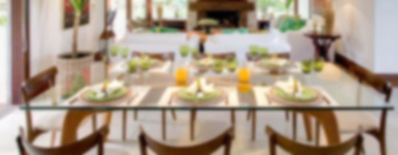 Dining room by Maria Christina Rinaldi Arquitetos,