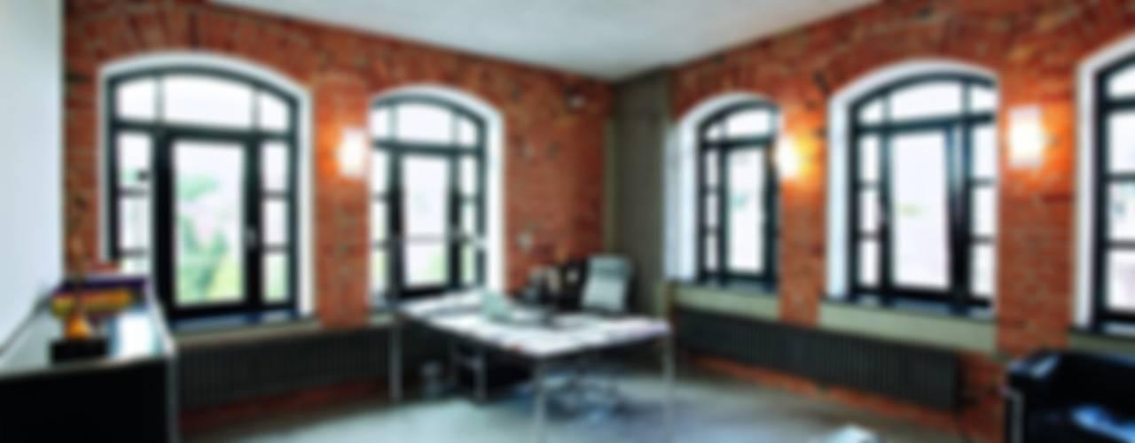 Edificios de Oficinas de estilo  por USM Möbelbausysteme, Clásico