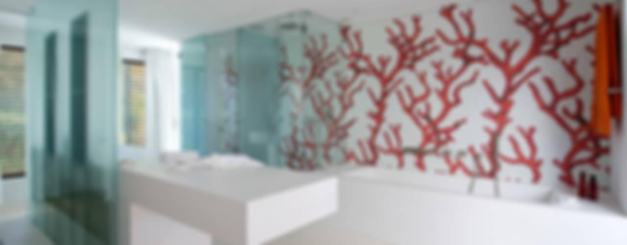 Ванная комната в стиле модерн от Vincent Coste Architecte Модерн