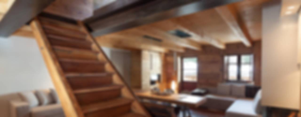 Pasillos, vestíbulos y escaleras de estilo escandinavo de archstudiodesign Escandinavo