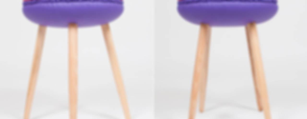 Makastool di LI-VING design ideas Eclettico