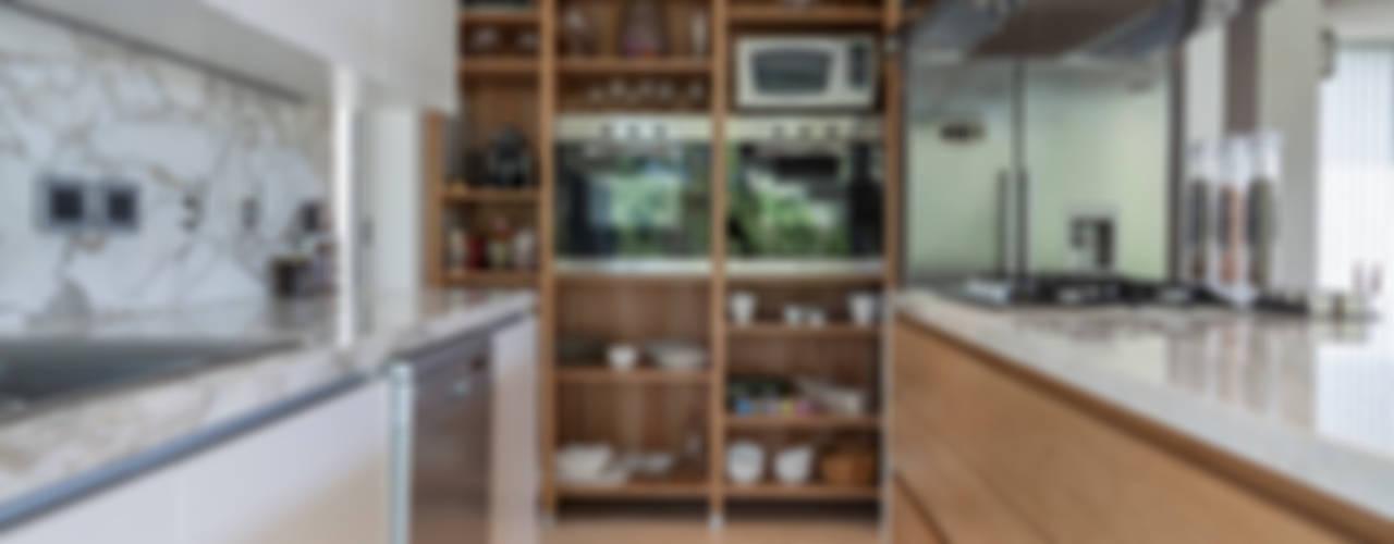 Cocinas de estilo moderno de ESTUDIO GEYA Moderno