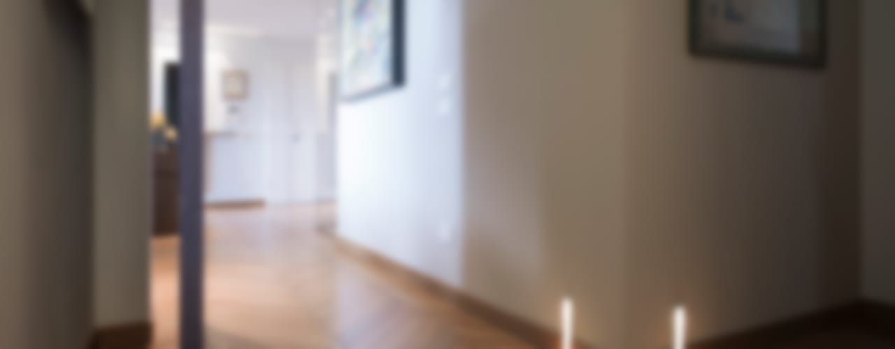 respirando arte. Ingresso, Corridoio & Scale in stile moderno di desink.it Moderno